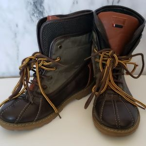 Boys Tommy Hilfiger Charles olive duck boots